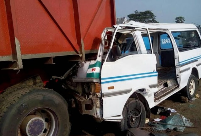 bus driver flees fatal accident lagos ibadan