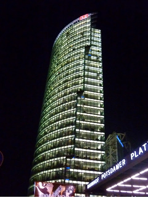 Potsdamer Platz, sony center, berlino