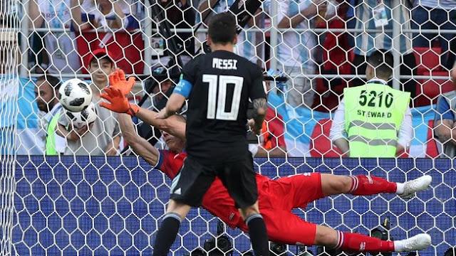 Messi Gagal Penalti, Argentina Diimbangi Islandia 1-1