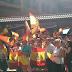"""Gritos de """"Yo soy español"""" y """"a por ellos, oé"""" para despedir a los guardias civiles que parten como refuerzo a Catalunya"""