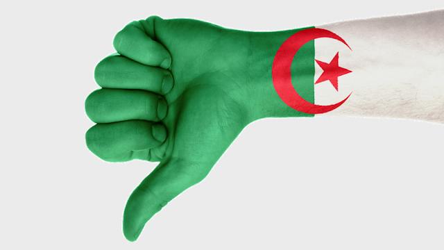 السلطات الجزائرية تحجب الفيس بوك وتويتر بسبب امتحانات البكالوريا