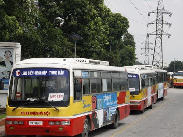 Đi xe bus giúp tiết kiệm chi phí và bảo vệ môi trường
