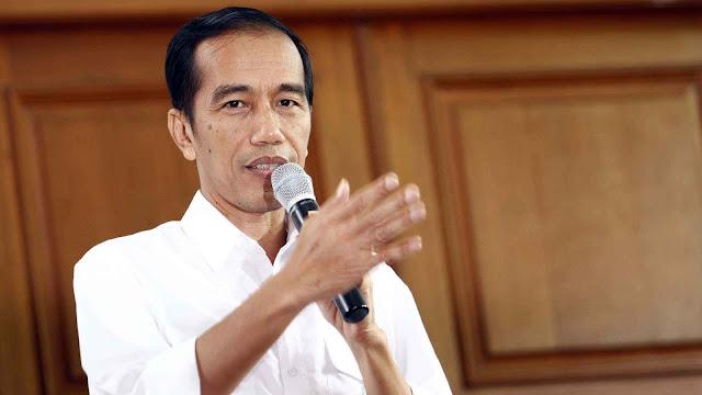Jokowi : Hati-Hati ! Selain Guru, Facebook Ikut Mendidik Anak