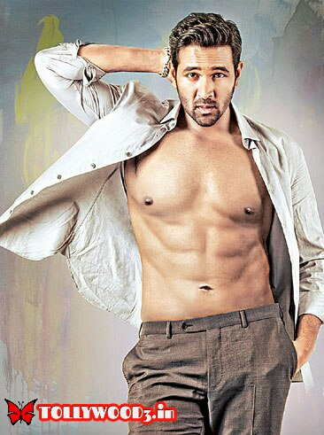 Manchu Vishnu six pack body