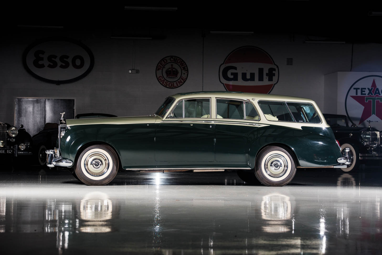 Cullinan Rolls Royce Interior >> This Rolls-Royce Silver Cloud Wagon Ought To Do The Trick Until Project Cullinan Is Ready ...