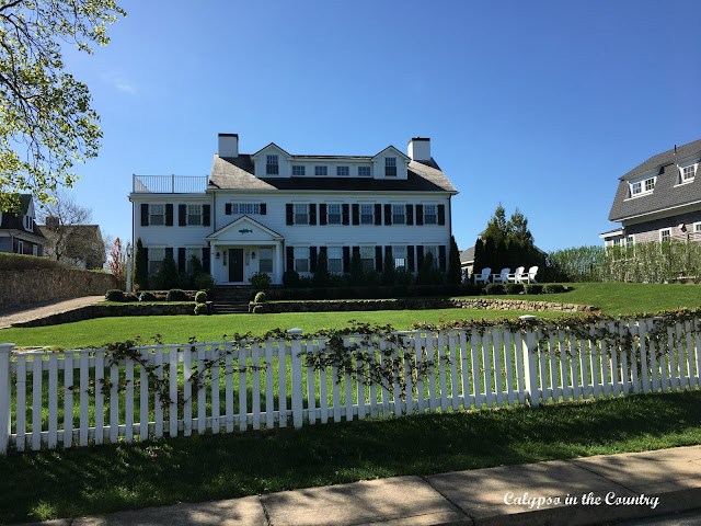 Classic White House in Martha's Vineyard, MA