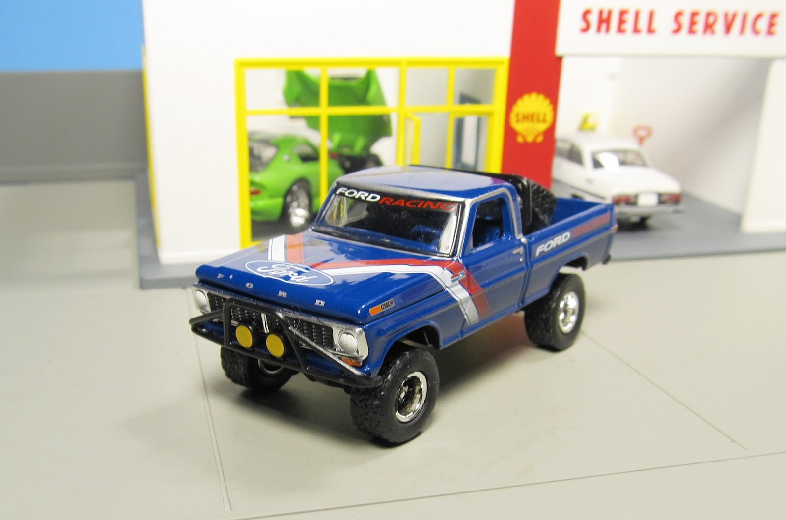 Greenlight All Terrain Ford Racing 1970 F 1 F100 Pickup Truck