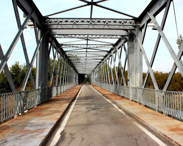 Puente de hierro en Titulcia-Madrid