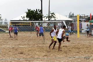 Duplas de Peruíbe conquistaram as primeiras colocações no Torneio de Futvôlei da Ilha
