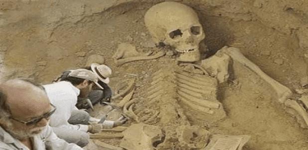 Ο σκελετός 6500 χρόνων και 3 μέτρα σε ύψος που βρέθηκε στη Βουλγαρία!