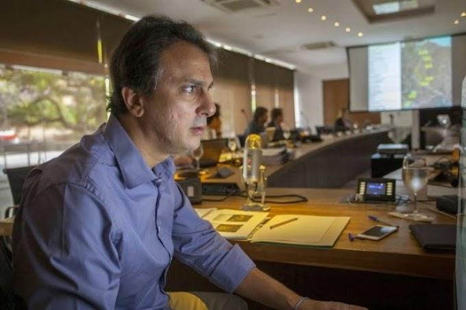 Camilo aproveitará saída de secretários para alargar apoios de olho na reeleição