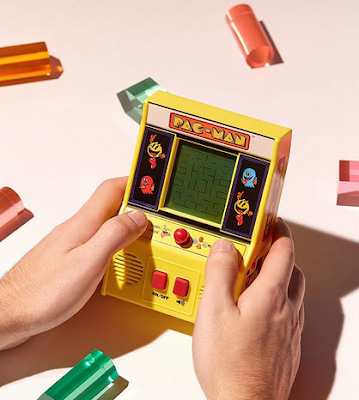 Jeu d'arcade portable Pac-Man - 39€ (Urban Outfitters)