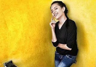 Nia Asma Senyum