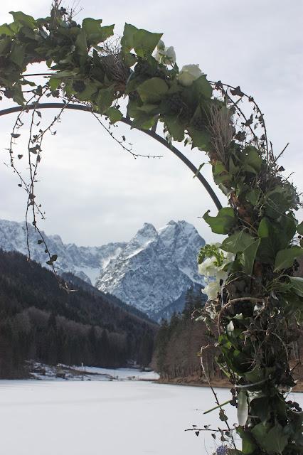 Winterhochzeit, Trachtenhochzeit in den Bergen von Bayern, Riessersee Hotel Garmisch-Partenkirchen, Wedding in Bavaria