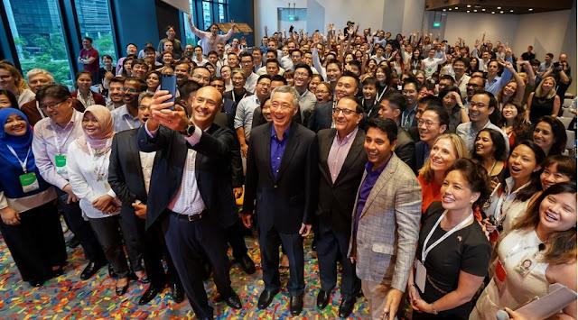 Google Selfie Dengan Para Karyawan dan Insinyur Google