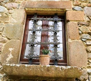 http://misqueridasventanas.blogspot.com.es/2015/06/ventanas-rurales.html