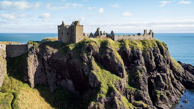 Dunnotar Castle - Picture by Duntrune House in Dundee