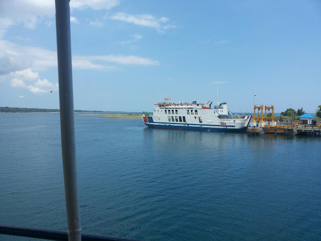 Menuju Pantai Goa Sumbawa