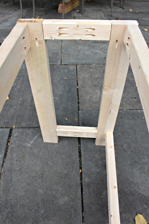 lemonade stand frame using pocket holes