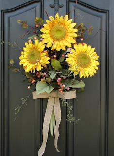Hiasan pintu kamar dari bunga
