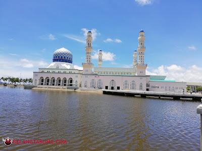 Masjid Terapung Bandaraya Likas