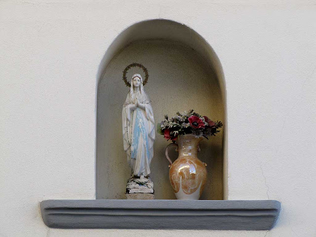 Madonnina, Votive shrine, borgo San Jacopo, Livorno