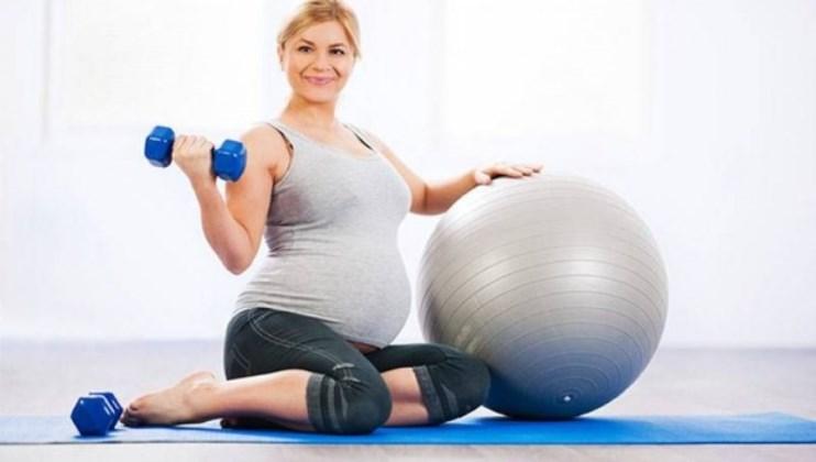 Hamileyim; halterde kaldırırım yoga da yaparım