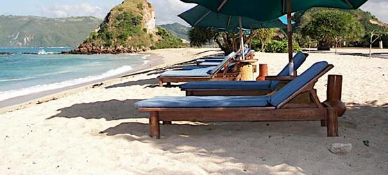 lokasi pantai kuta lombok indah menawan