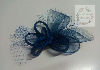 tocado color azul noche para boda