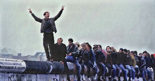 [Vídeo] Essa torcida superou o Muro de Berlim!