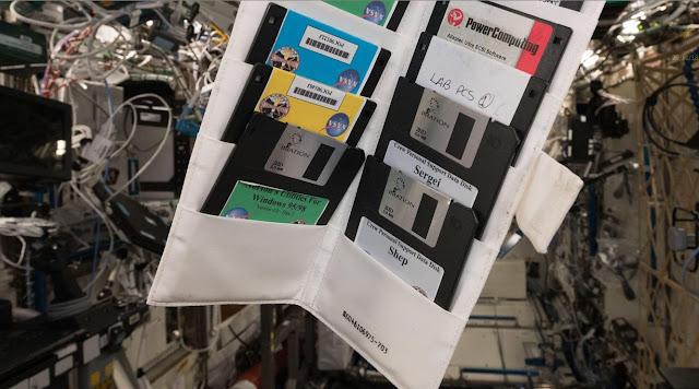 Sulla Stazione Spaziale Internazionale scoperti floppy disk del '95