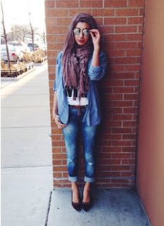 Kemeja Jeans Wanita Terbaru Untuk Gaya Hijab Trendy