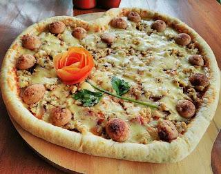 Pizza Combi Sensasi Menyantap Pizza Molor
