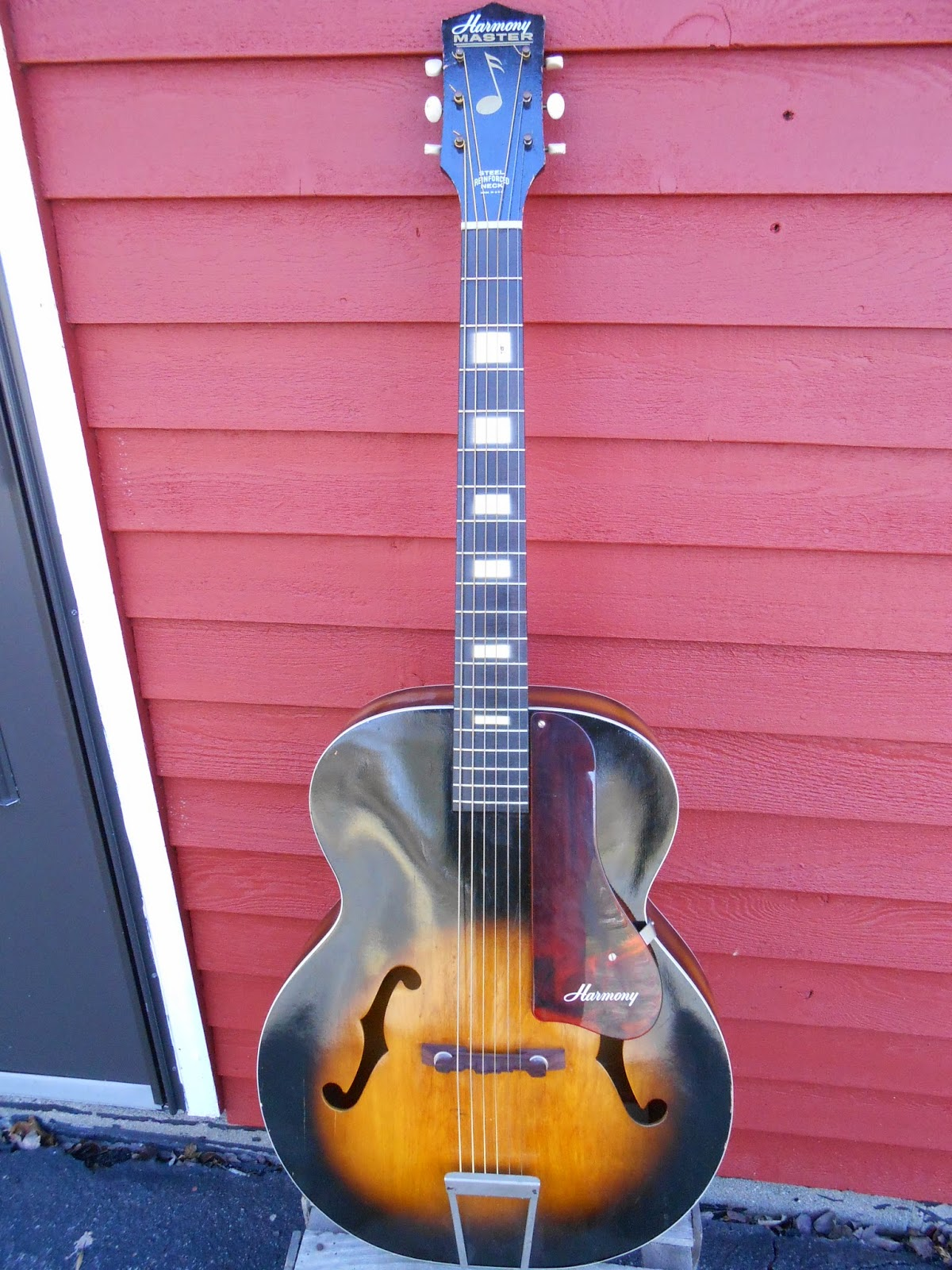 Your Grandpa's Guitar: 1960's Harmony Master Acoustic ...