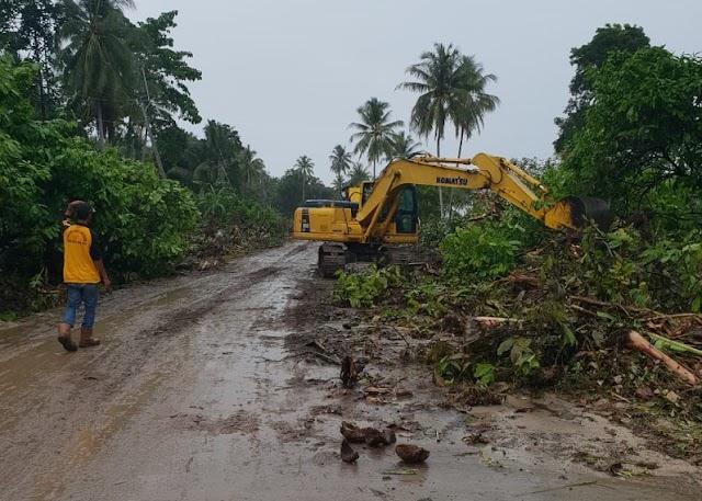 Tim Terpadu Bencana Tembus Akses Jakan Ke Kecamatan Sumur