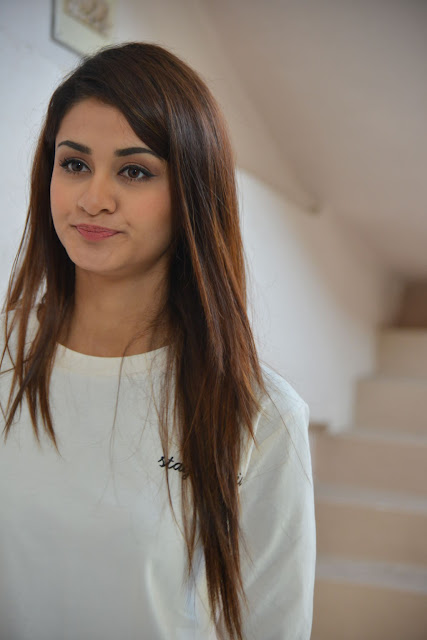 ISM Heroine Aditi Arya latest pics 2016