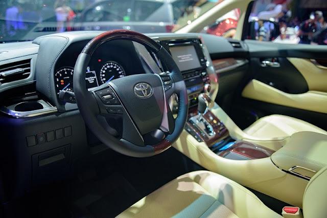 Toyota Alphard 2018 bản 2.5 Hybrid tại Bangkok ảnh 8