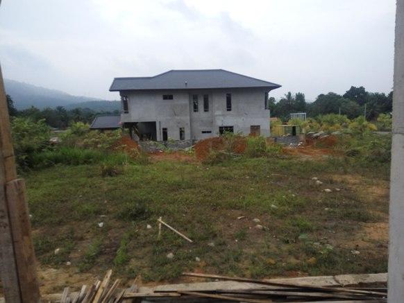 Buat rumah banglo atas tanah sendiri