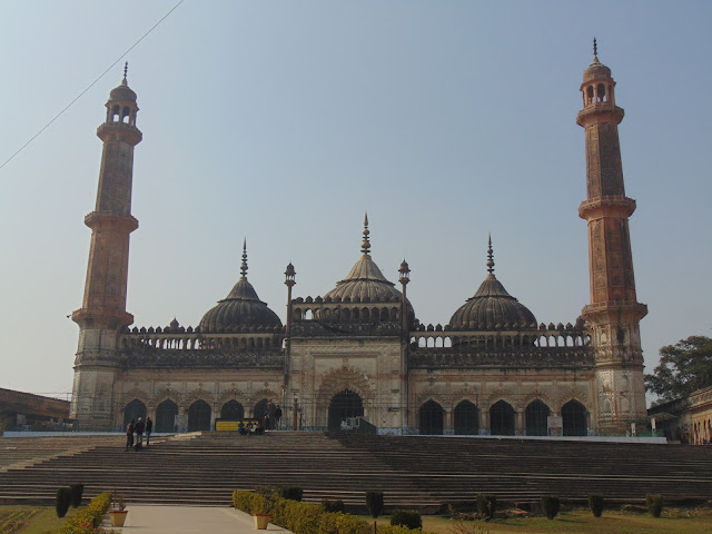 aasifi mosque lucknow