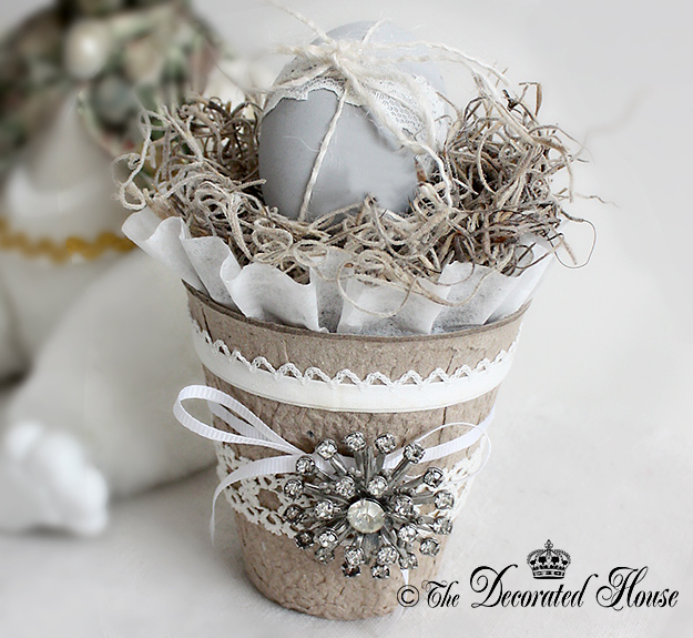 The Decorated House : Decorating Peat Pots : Altered and Decorated Peat Pots for Spring and Easter!