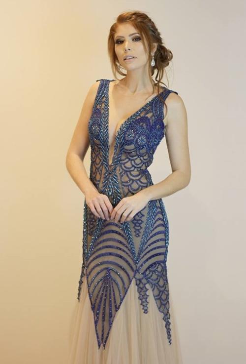 vestido de festa azul com nude