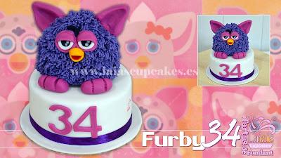 tarta personalizada fondant modelado 3d furby cumpleaños 34 celebración laia's cupcakes puerto sagunto