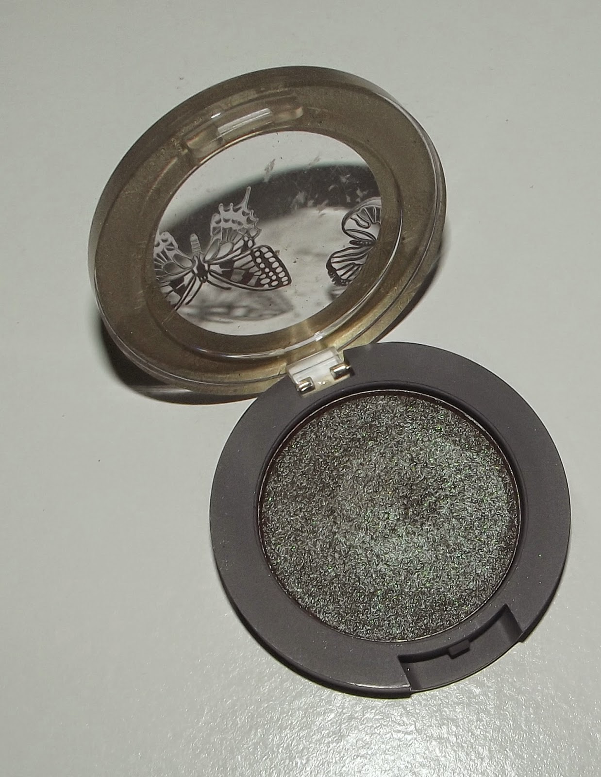 Mac Single Eyeshadow Collection: Neala Olivia: MAC 'Club' Eyeshadow Dupes