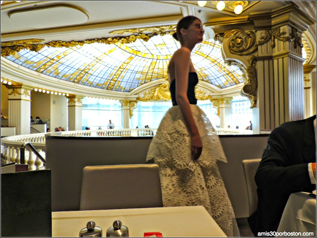 The Rotunda en Neiman Marcus: Modelos