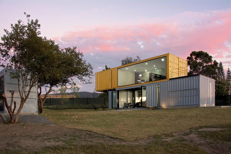 Shipping container homes huiini container house in mexico for Disenos de casas en mexico