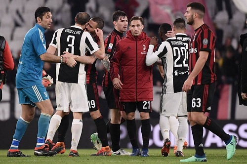 AC Milan lọt vào chung kết Coppa Italia.