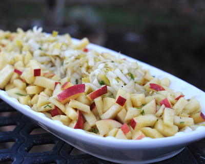 Easy Make-Ahead Endive & Apple Salad, another simple seasonal salad ♥ AVeggieVenture.com