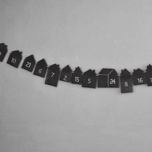 kalendarz adwentowy na sznurku, girlanda, papier, domki