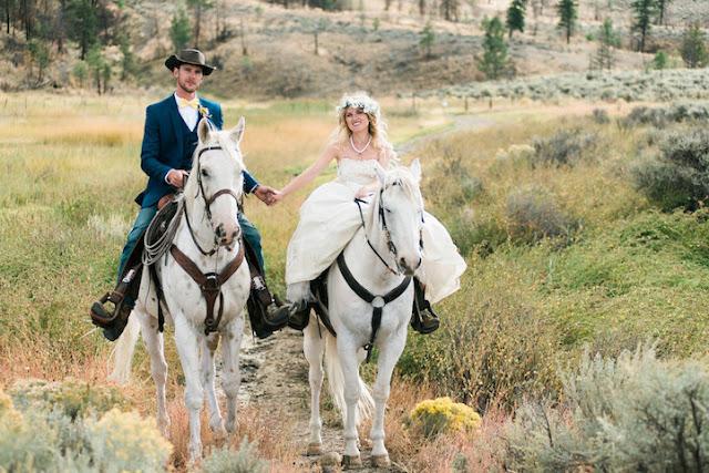 Casal registra belas fotografias de casamento no galope de cavalos