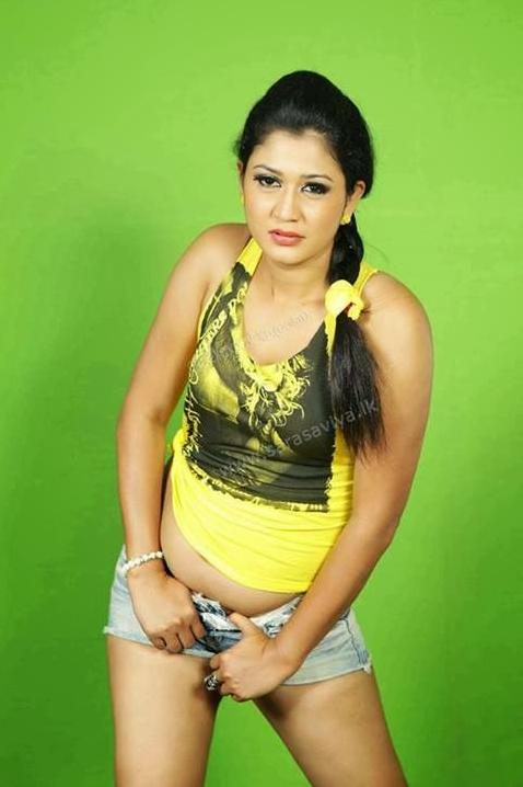 Ruwangi Rathnayake hot photo